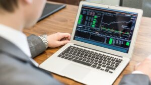 How to choose your first trading platform